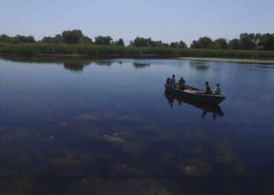 Plimbari cu barca in familie