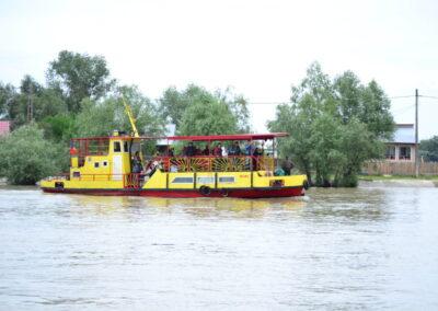 Plimbari cu catamaranul in delta dunarii