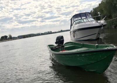 Barca rapida cu motor in delta dunarii